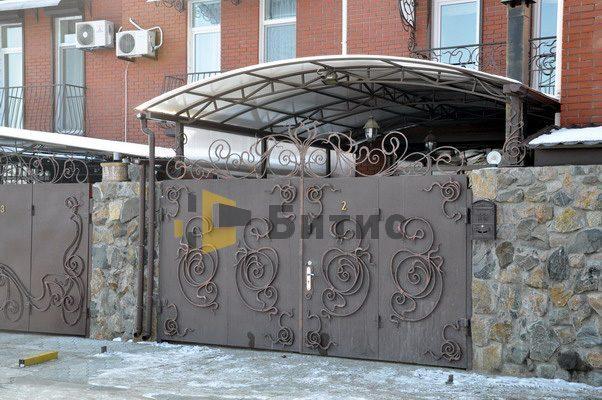 Фото ворот из металла с ковкой